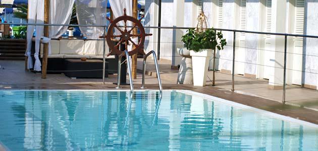 Hotel Delfino a Marina di Carrara - Hotel con Piscina e Internet Wi-Fi